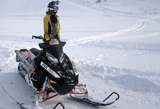 a-Slideshow-WY-winter-snowmobile